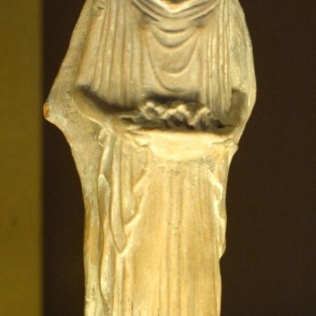 Terracotta figurine of a woman