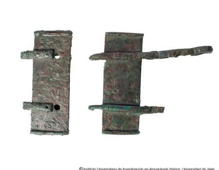 Broches de cinturón como marcadores de la legitimidad del linaje